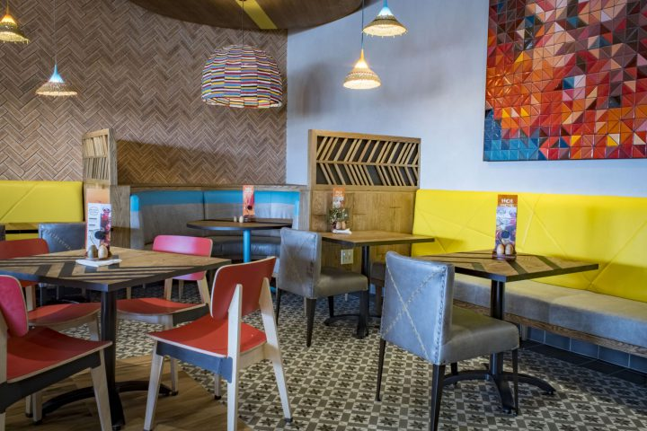 Nandos Columbine with Raw's Ohtwo Chairs